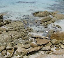 Rocks and water by Illiadic