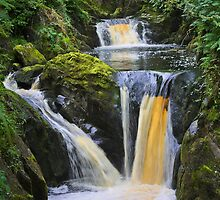 "the wonderful ""pecca falls"" yorkshire dales by Ilapin"
