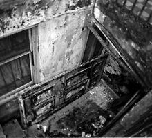 Decay in mono by yanoschick