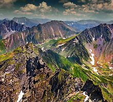 Landscape with Fagaras mountains in Romania by naturalis