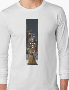Dalek in the Big City Long Sleeve T-Shirt