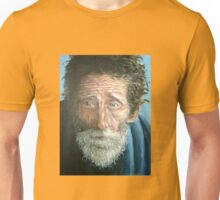 Man with the world in his eyes Unisex T-Shirt