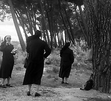 Three Nuns  by Isabelle  Delmotte