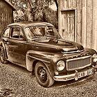 Old Volvo by Annika Strömgren