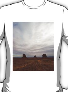 Monument Valley12 T-Shirt