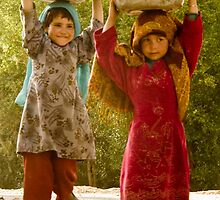 The little girls of Bamiyan 2 by Jacob Simkin