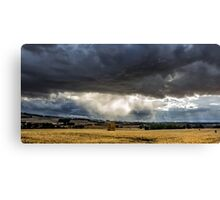 Storm closing in Canvas Print