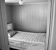 sleep in simplicity by Bjørn Gjelsten