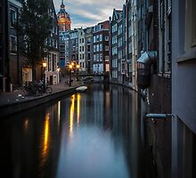 Canal in Amsterdam, early morning by enolabrain