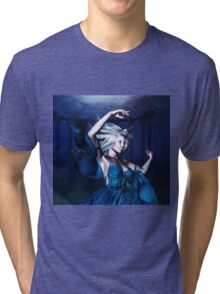 Woman under water 2 Tri-blend T-Shirt