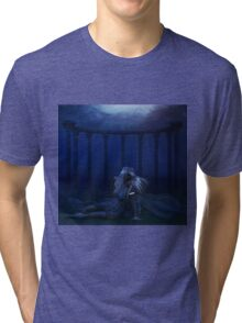 Woman under water 4 Tri-blend T-Shirt