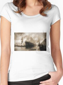 Titanic the Ship of Dreams Women's Fitted Scoop T-Shirt