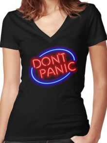 """Hitchhiker's Guide - """"Don't Panic"""" Neon Sign Women's Fitted V-Neck T-Shirt"""