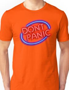 """Hitchhiker's Guide - """"Don't Panic"""" Neon Sign Unisex T-Shirt"""