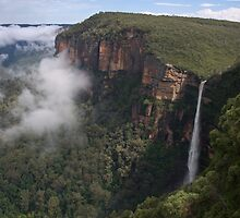 Bridal Veil Falls, Blackheath, Greater Blue Mountains World Heritage Area by Blue Gum Pictures