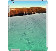 Winter hiking near the border | landscape photography iPad Case/Skin