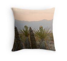Yucca schidigera Throw Pillow