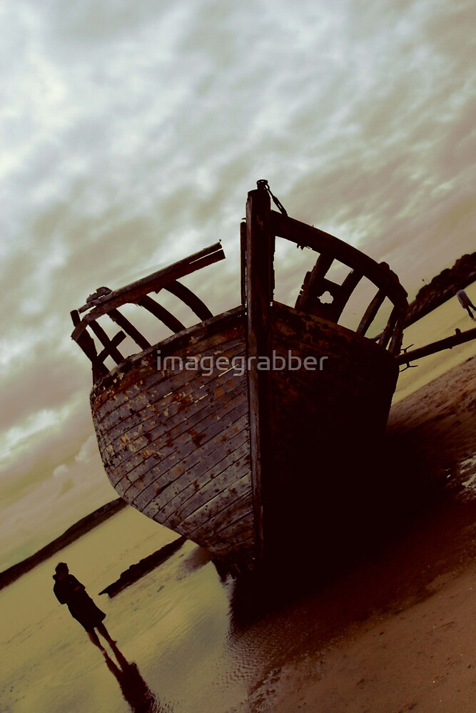 ship wreck by imagegrabber