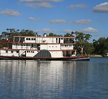 old paddlesteamer by elphonline