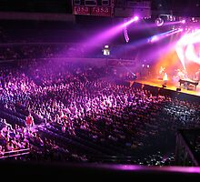 Concert at the Araneta by eggypiz