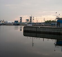 Port of Quebec by Gary Chapple