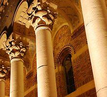 Sacramento Memorial Auditorium's pillars & gingerbread by Lenny La Rue, IPA