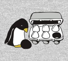LINUX TUX PENGUIN EGG BOX BLACK EGG Kids Tee