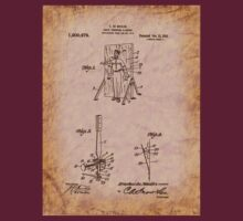 Magician - 1916 Knife Trowing Illusion Patent T-Shirt