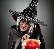Witch offering a poisoned apple by naturalis