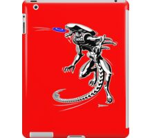 Alien Loves to Play Frisbee iPad Case/Skin