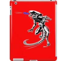 Alien Loves to Play Frisbee iPad Case/Skin