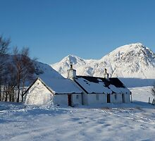 Scottish Highlands in Winter by derekbeattie