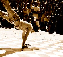 Break Dance by mkingsley