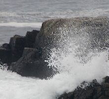 ocean water blasting rocks by peano12