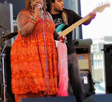 Thornetta Davis with Bass Player by Tom Causley