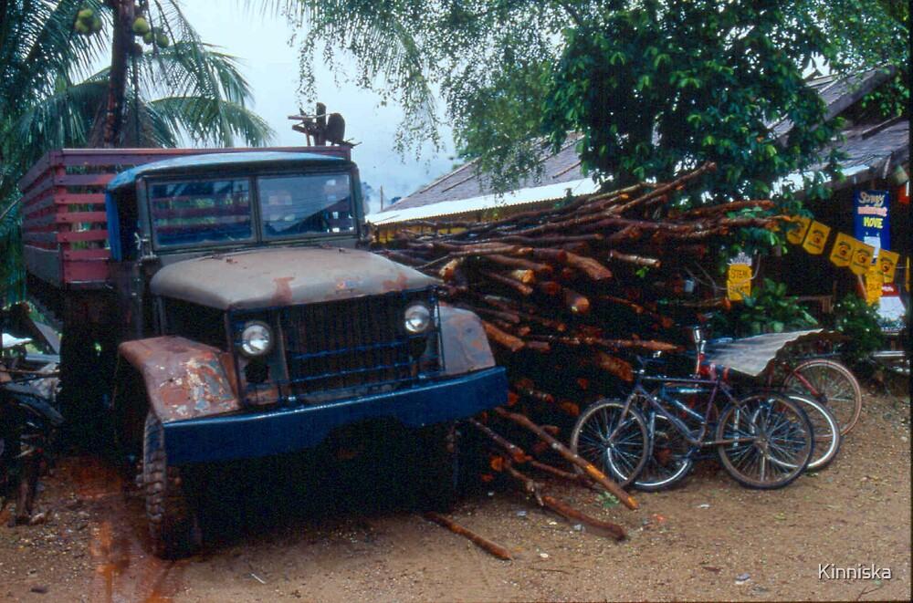 Beerlao Truck by Kinniska