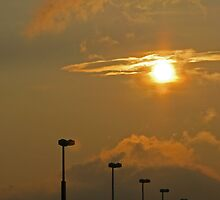 Sunsets Halo by Leslie Wood