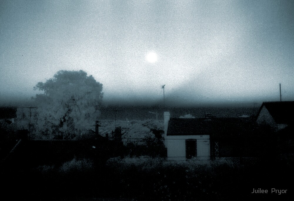 midnight sun over enmore by Juilee  Pryor