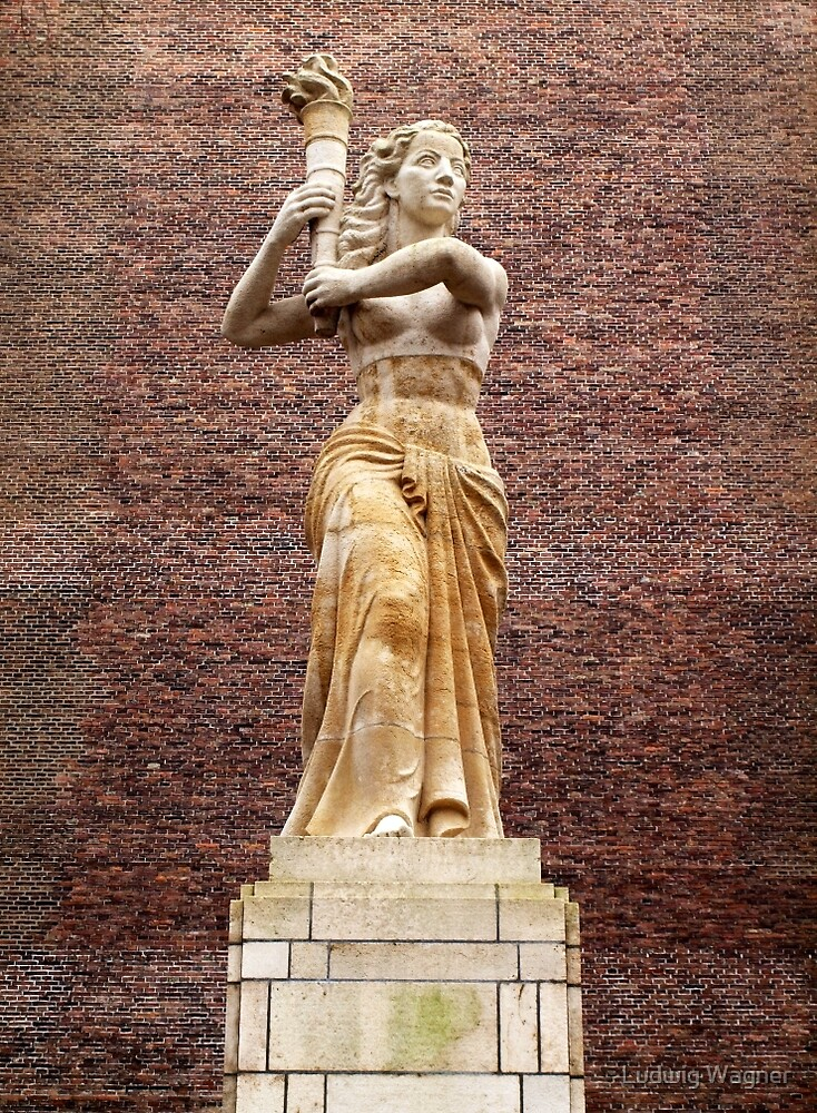 Liberty Statue, Utrecht by Ludwig Wagner