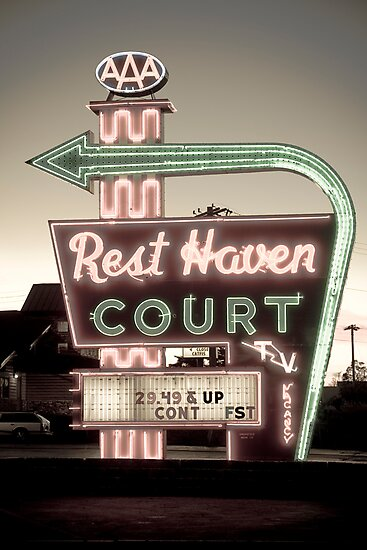 Route 66. Rest Haven Court Motel. Springfield. (Alan Copson ©) by Alan Copson