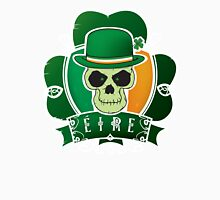 Irish lucky skull Unisex T-Shirt