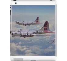 B17- 381st Bomb Group en-route iPad Case/Skin