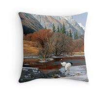 The Wu Shan Fairy Series Red Cranes on river ice Throw Pillow