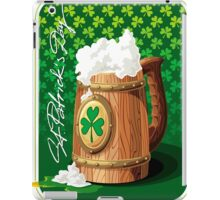 Wooden beer mug with foam and clover  iPad Case/Skin
