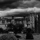 hever castle by Di Dowsett