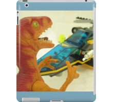 Velociraptor Attack! iPad Case/Skin