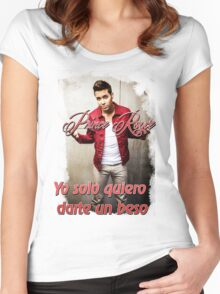 Prince Royce 1 - Darte un Beso  Women's Fitted Scoop T-Shirt