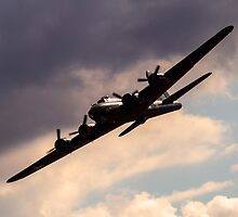 B-17 Flying Fortress by captureasecond