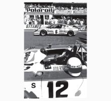car : The moment of magic starting in Black and White, Le Mans 1975 collector 7  (c)(h) by Olao-Olavia / Okaio Créations Kids Tee