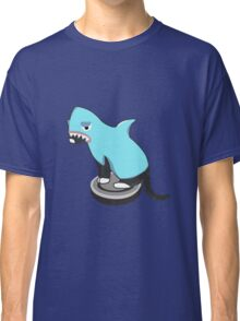 Shark cat on roomba Classic T-Shirt